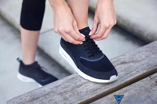 """""""体""""的概念在运动鞋造型中主要有哪些体现?"""