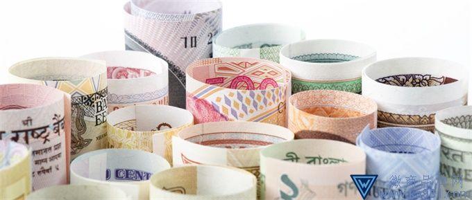 白纸变钱!新版人民币印制过程揭秘 采用两项高水平光学防伪技术