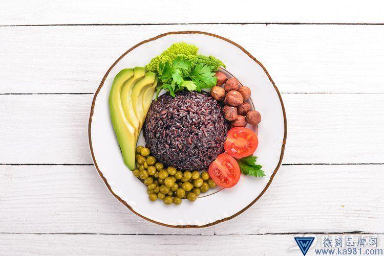 想要瘦的快,那就自制一份减肥食谱吧!营养美味还不枯燥