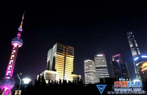 资料图:夜色下的上海浦东。中新经纬王培文 摄
