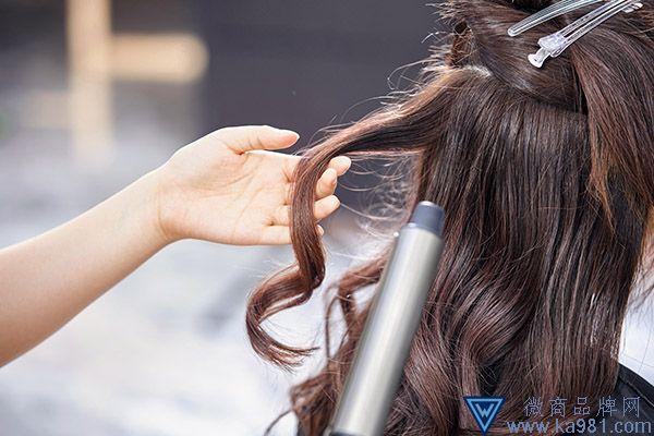 烫头发的危害 哪些人不能烫头发