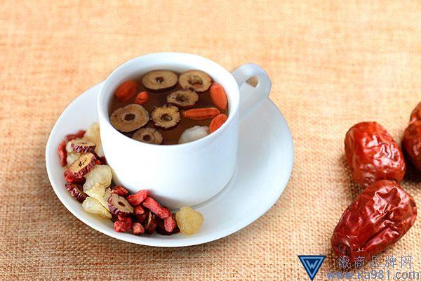 红枣和枸杞一起泡水喝有什么作用