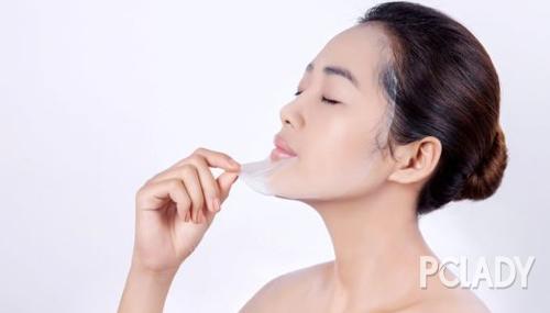 """护肤有新招:抛弃含水面膜,为肌肤敷上一个""""花油"""""""