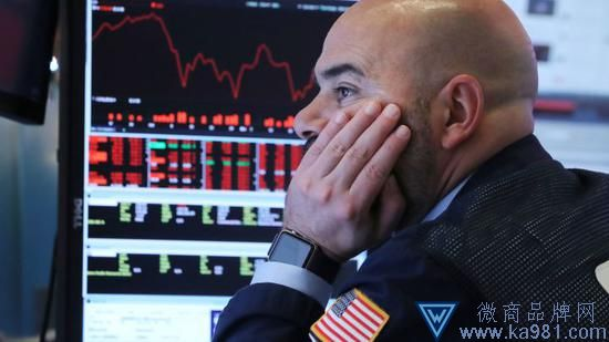 美股三大股指跌幅均超3% 道指暴跌800点纳指跌280点