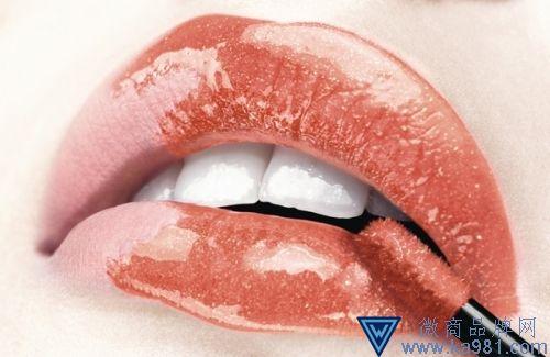 专属派对的唇部色彩,Dior迪奥带你俏出新高度
