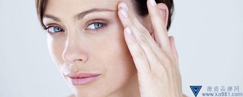 皮肤出油用什么护肤品好