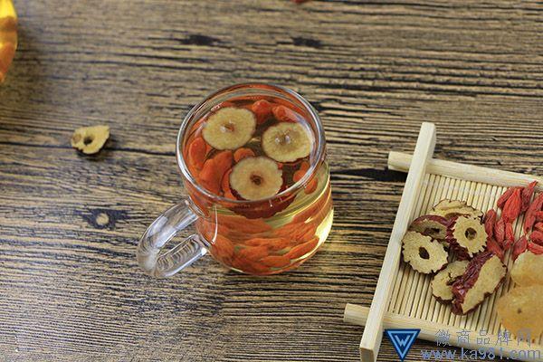 枸杞和红枣泡水喝有什么好处