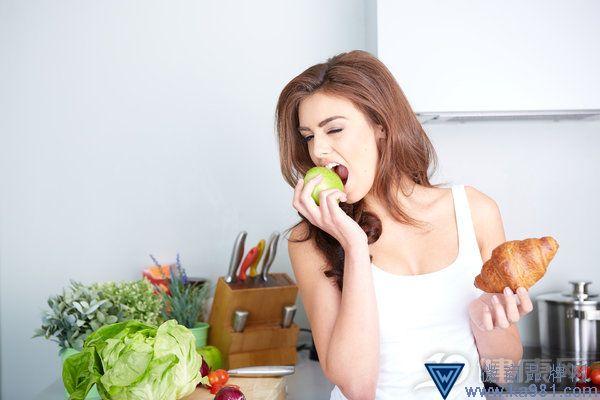 想瘦下来要少吃多餐!给你一份少吃多餐进食表